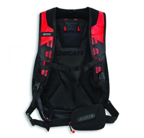 rucksack red 2
